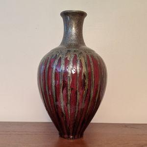 Pier 1 importants decrotive vase.